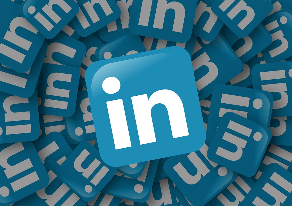 Image of many LinkedIn logos